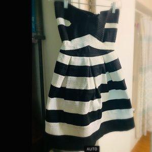 BCBGMaxazria bubble strapless dress sz small